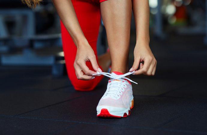 Jak rozbić buty? Poznaj kilka skutecznych sposobów!